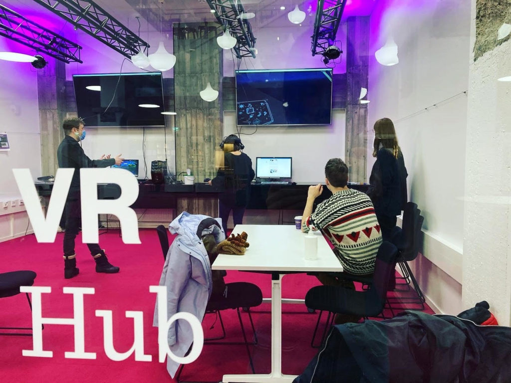 Course students working in Aalto VR Hub